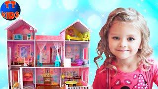 Влог Развлекательный Центр для Детей Ярослава играет с Куклами Барби