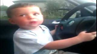 Двух летний сын подпевает рок песню