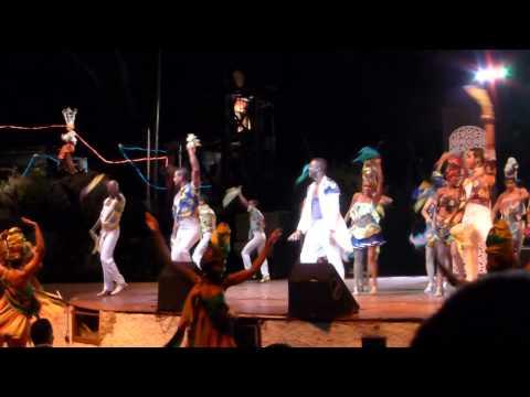 """Spectacle cabaret """" LE TROPICANA"""" Santiago de Cuba Voyage 2015"""