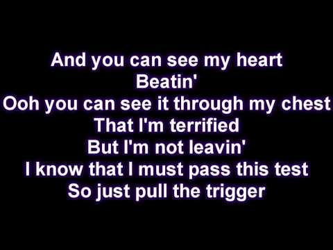 Rihanna - Russian Roulette [Lyrics on Screen]