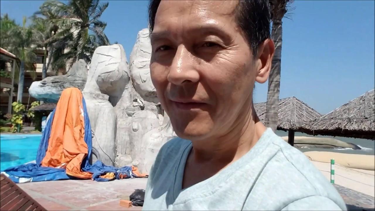 Du lịch Phan Thiết – Mũi Né: Ngắm cảnh biển, hồ bơi va ăn cơm trưa. Xem cay bong co trai