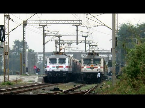 FASTEST RAJDHANI vs FASTEST GARIB RATH : 130 KMPH : Mumbai Rajdhani Express Overtakes NZM Garib Rath