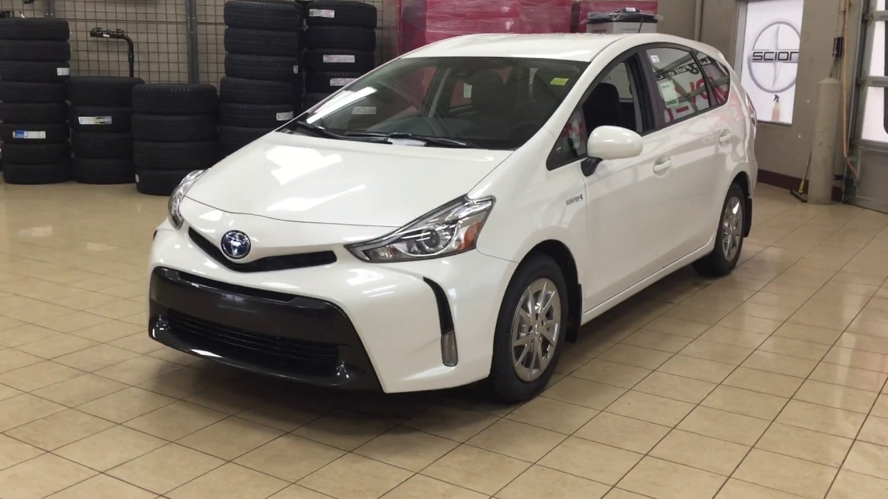 2018 Toyota Prius V Luxury Package Review