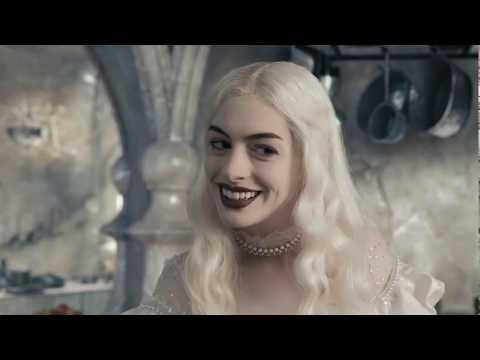 Белая королева варит отвар. Алиса в стране чудес
