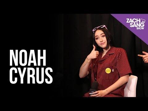 Noah Cyrus I Billboard Music Awards