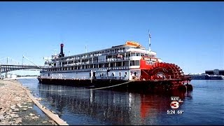 Workers in Houma trying to bring the Delta Queen Steamboat back to life