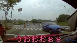 2018-05-18 交差点内 逆進入車 @ 三田市上内神 交差点