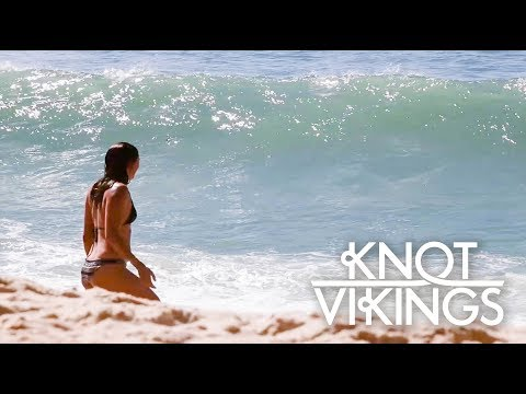 Ep. 14 - Surfing, Sunshine and Sailing along the coast of Portugal - Knotvikings