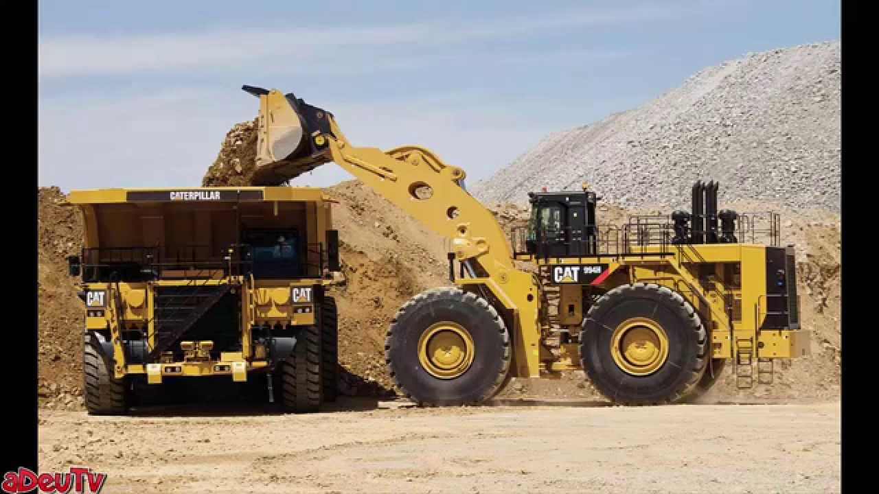 Loading big - the world's biggest front-end wheel loaders - YouTube