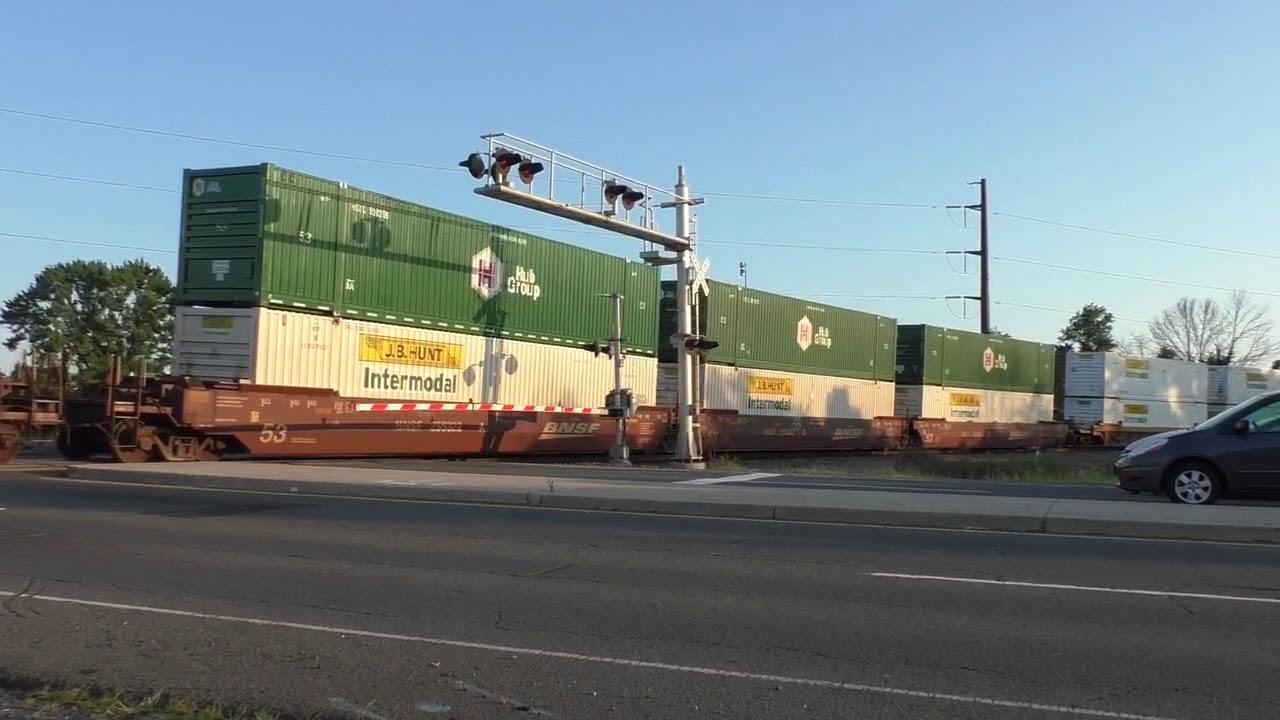 Norfolk Southern 9156, 9818, & 9141 Southbound Intermodal in Manassas, Va.  8/19/17