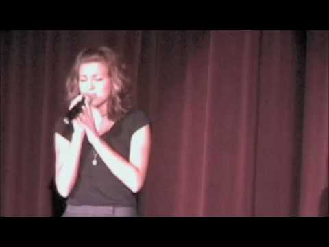 Tori Kelly singing