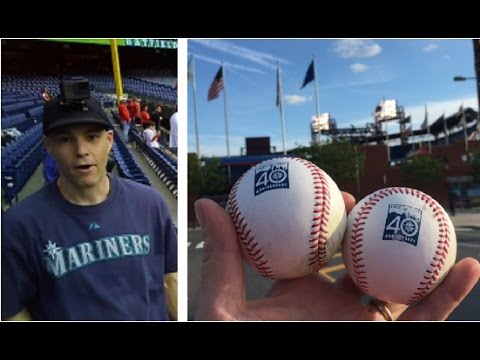 ZACK HAMPLE BALLHAWKING AT CITIZENS BANK PARK TO SNAG SEATTLE MARINERS COMMEMORATIVE BASEBALLS