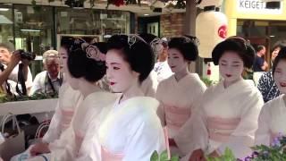 京都 舞妓さん 宮川町、花傘巡行、2012.7.24. thumbnail