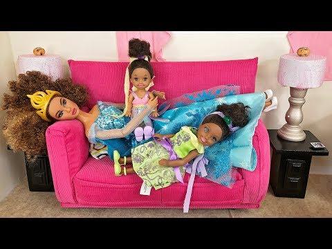 Barbie Sisters Spa Day!  Hair Color Salon, Nails & McDonald's Food | Naiah and Elli Doll Show #4