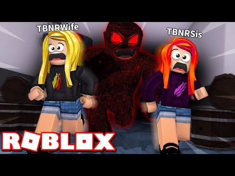 MY LITTLE SISTER and WIFE ESCAPE THE BEAST! Roblox Flee The Facility
