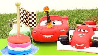 Cars vanno all´asilo- Giochi con Play Doh Pizza
