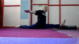 Flexibility training part 2: Stretching slightly beyond the front split