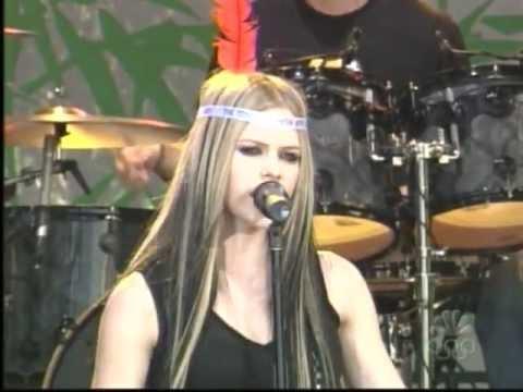 Avril Lavigne - My Happy Ending (Jay Leno 06/21/2004)