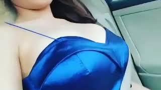 Video Wanita Cantik Goyang-goyang Payudaranya di Dalam Mobil download MP3, 3GP, MP4, WEBM, AVI, FLV November 2018
