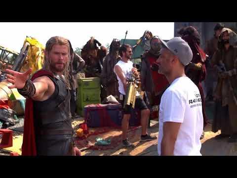 Marvel Studios' Thor: Ragnarok -- Cute As Christmas (Bonus Featured)