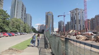 Moscow gets a makeover: Muscovites divided over Russian capital