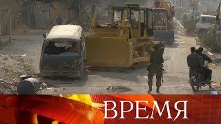 Российские специалисты начали разминировать освобожденный от террористов сирийский город Дума.