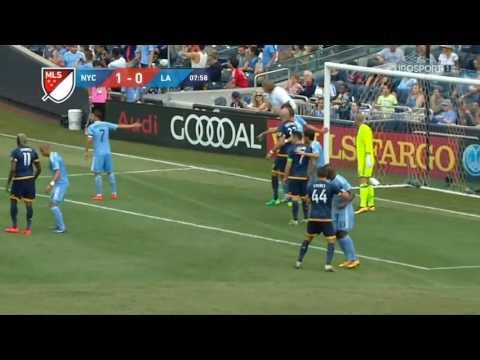New York City vs Los Angeles Galaxy - Major League Soccer 2016 Matchday 26