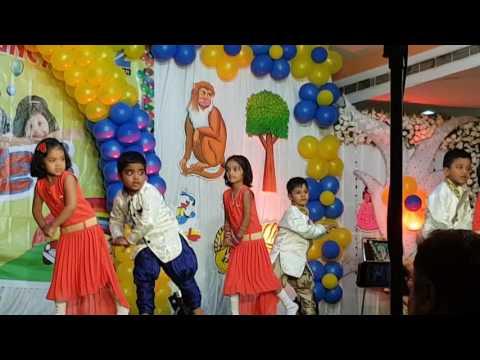Kids Dancing Hello Hello Tu Floor Pe Jab Hai Aayi
