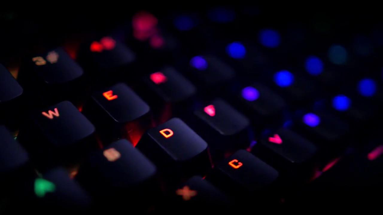 TRUST GXT 890 CADA RGB mehanička gejming tastatura