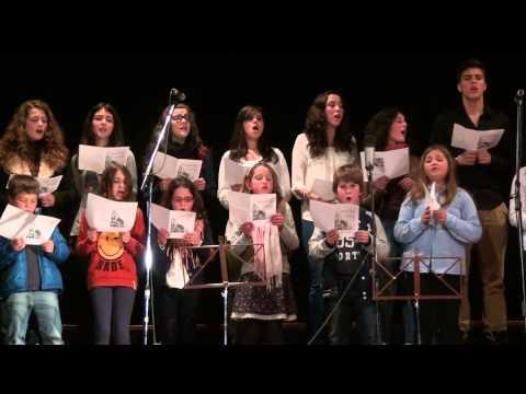 Coral Jovem Cristão da Paróquia de Macinhata do Vouga no 2º Festival de coros em Recardães