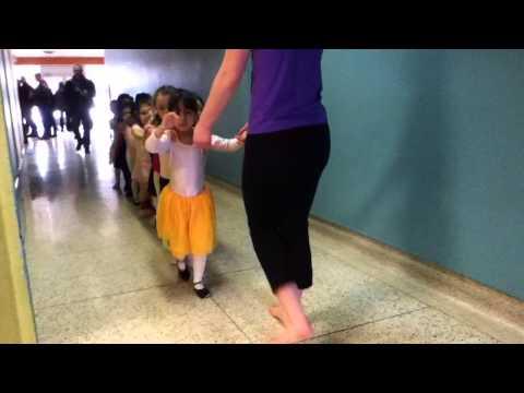 Mami En Sus Clases De Ballet Sabado Temprano