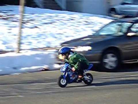 Downhill Razor Pocket Bike 17 25 Mph Fast Youtube