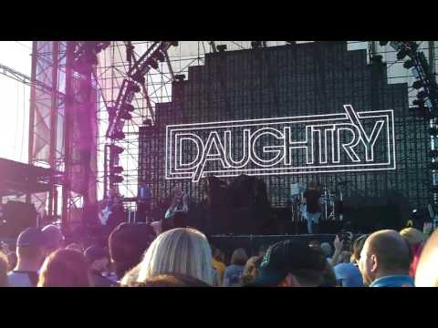 Daughtry crawing back to you Hershey PA 8 5 2017