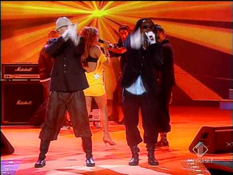 Black Eyed Peas - Hey Mama LIVE in Italy @...
