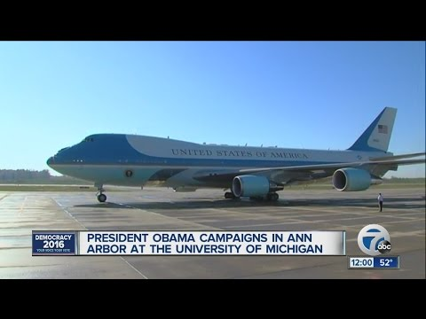 President Obama arrives in Ann Arbor for campaign rally