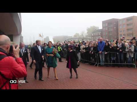 Aankomst Koning Willem-Alexander en Koningin Máxima in Almelo