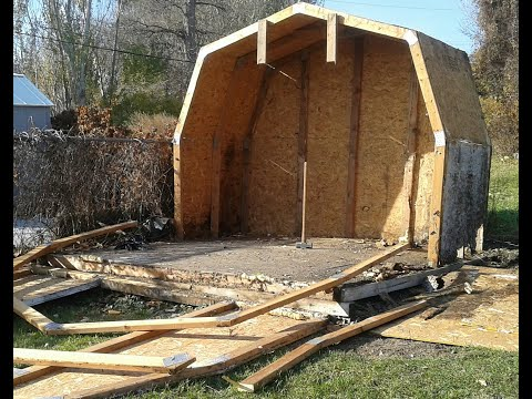 Demolishing The Old Shed And Fence - Building The New Fence : E039 / BC Renovation Magazine