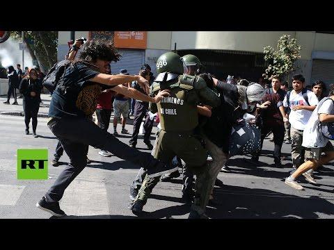 Chile: Estudiantes chocan