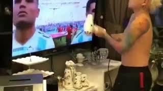 Arjantin milli takımına Ekranlardan Kuaför hizmeti. :)