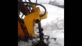 Бурение скважин под столбы при помощи буровой установки на мини-погрузчик(, 2016-03-15T08:24:55.000Z)