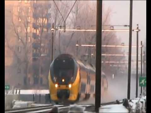 Dutch NS trains in the first 2012 snow @ Bergen op Zoom, Netherlands