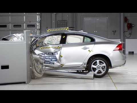 2012 Volvo S60 driver-side small overlap IIHS crash test