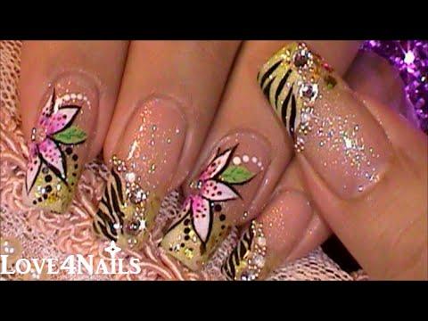 Decoracion De Uñas Flor En Mano Derecha Youtube