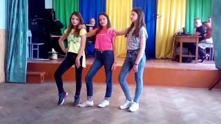 """Танець """"Сучасні ритми"""" виконують учні 7-х кл. ЗОШ №3, Борислав"""