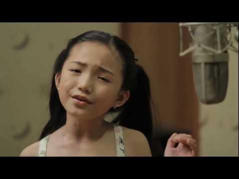 8YEAROLD Crystal Lee sings