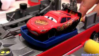 Mack Truck Hauler Playset Disney Cars Rust-eze with Lightning Mcqueen Pixar car-toys review