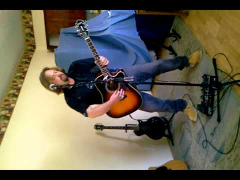 Kirk robinson singer/guitar