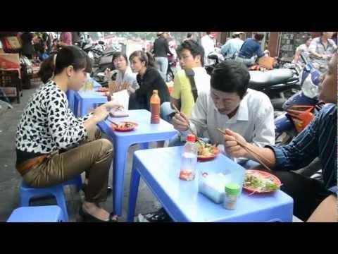 0 Taste of Vietnams Street Foods   http://vietnamfoods.org/