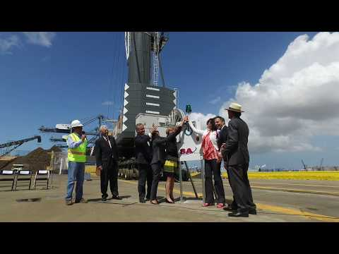 Port of Los Angeles and SA Recycling Debut New Mobile Electric Crane