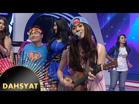 Sheryl Shienafia Nyanyi 'Kutunggu Kau Putus' Bareng Gitarnya [Dahsyat] [2 Feb 2016]
